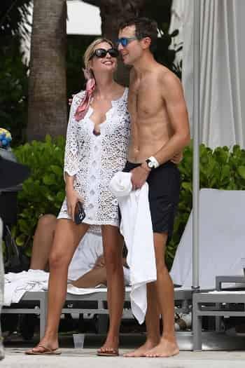 Ivanka Trump kisses shirtless Jared Kushner